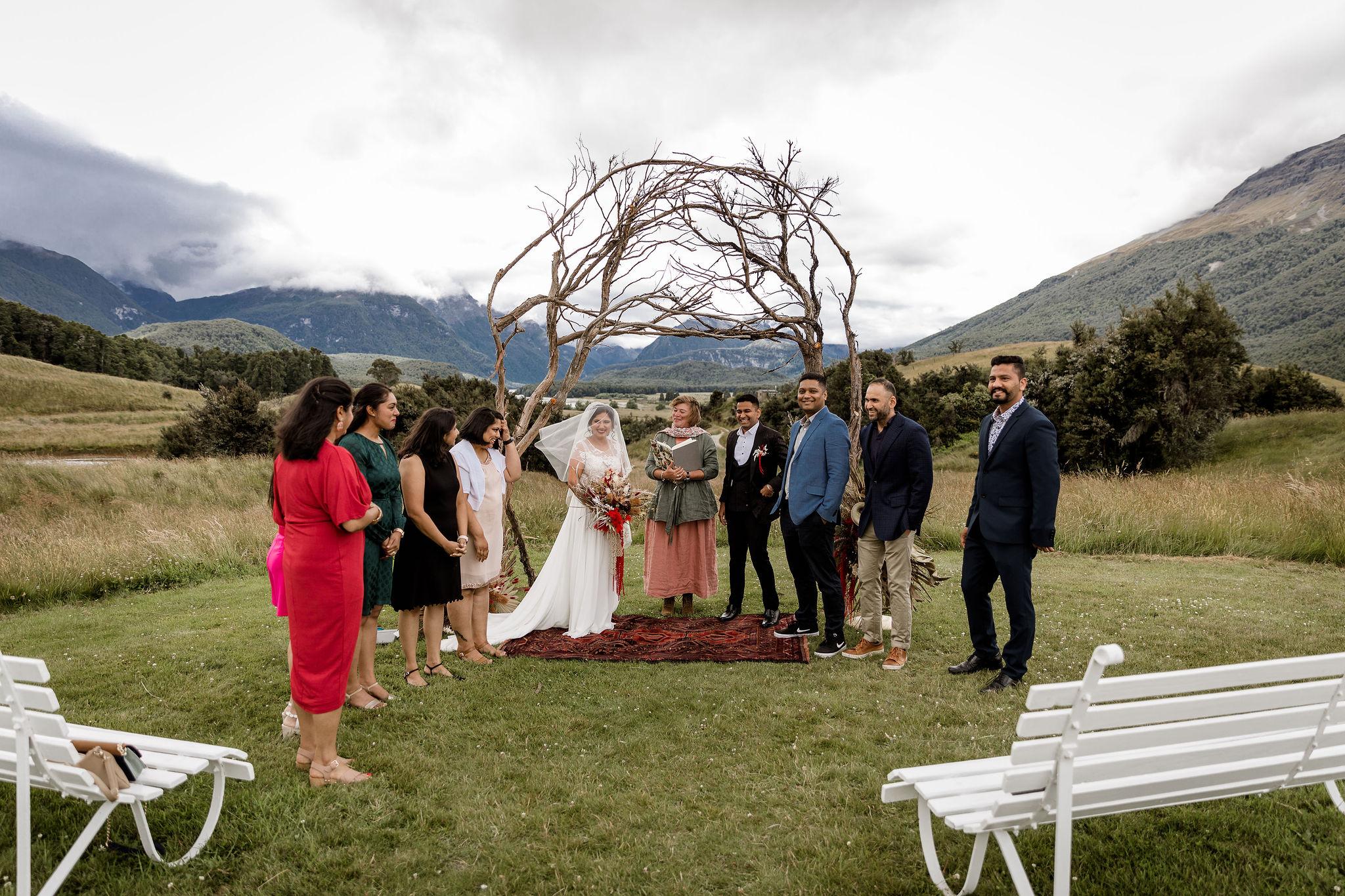 Intimate wedding ceremony - Paradise Trust