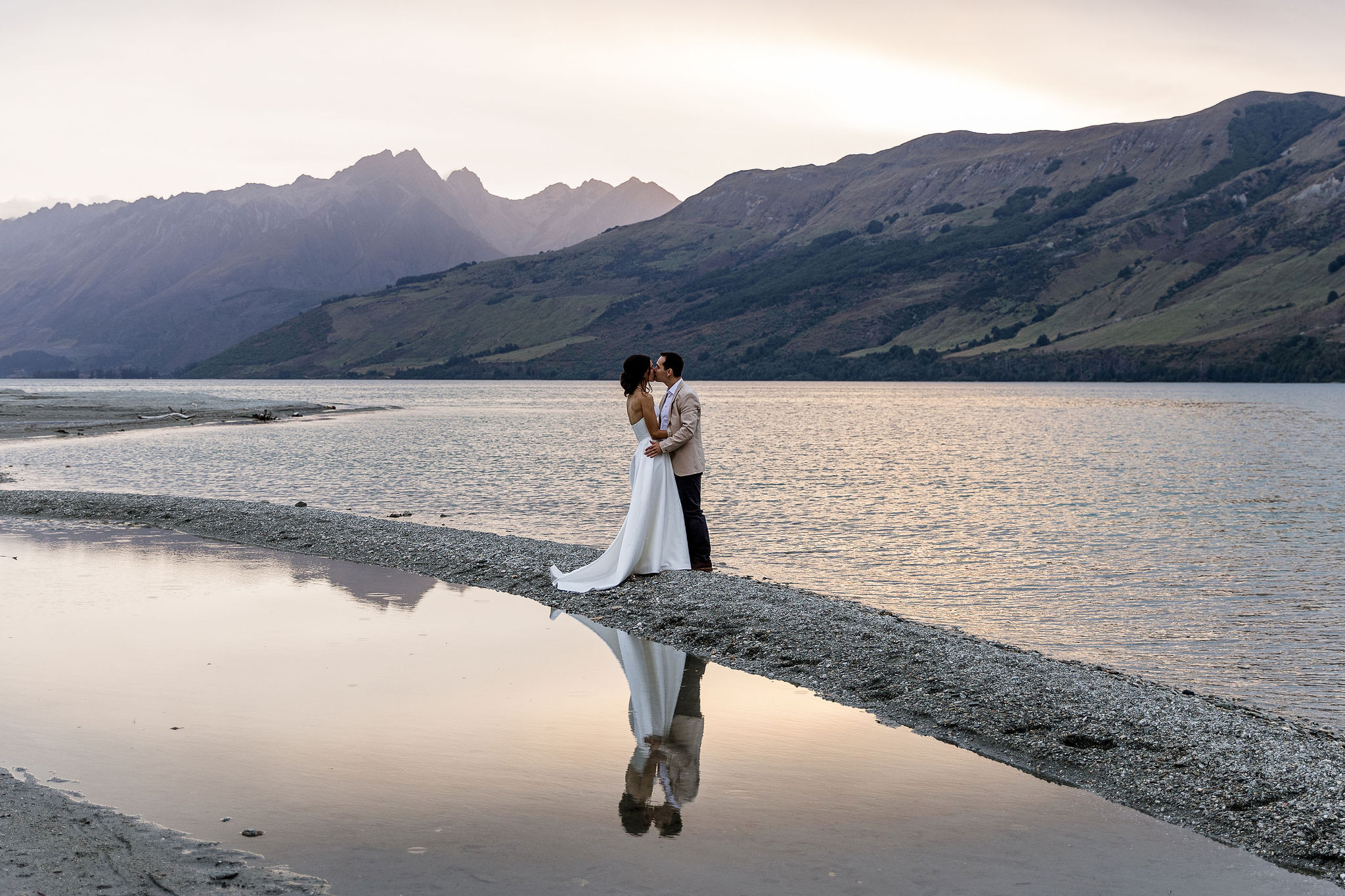 Stunning Lake Shore Wedding Photos with Ellen & Tim