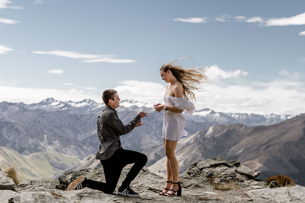 Stunning Lake Shore Wedding Photos with Ellen & Tim
